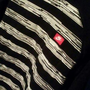 Nike Sweaters - NIKE scoop neck sweater